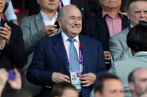 FIFA会長、ゴール判定技術の導入に「2014年のW杯を台無しにはできない」