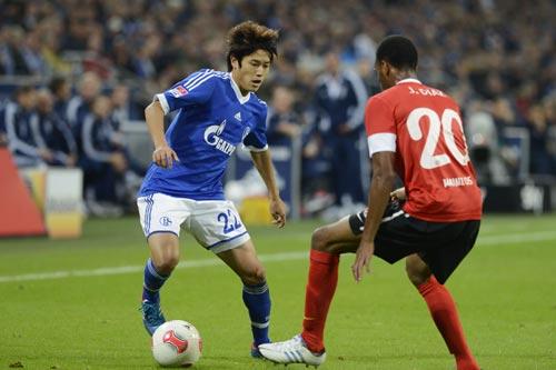内田篤人がリーグ3試合ぶりに先発…シャルケは3ゴールの快勝