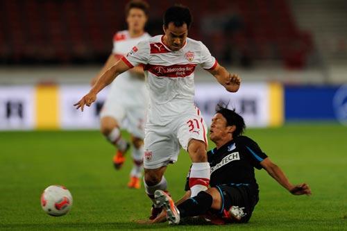 シュトゥットの日本代表FW岡崎慎司が負傷のため3試合欠場へ