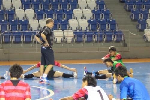 フットサル日本代表ロドリゴ監督、初練習を終え「カズにとって大きなチャレンジ」