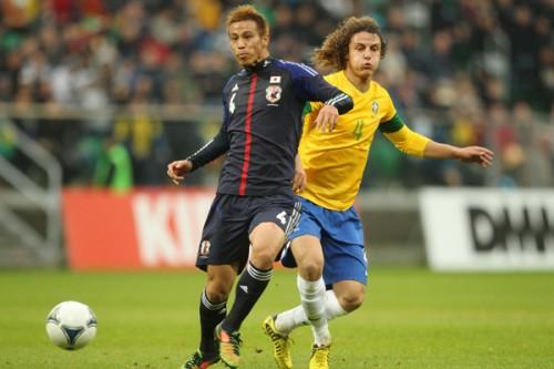 日本代表、本田が復帰するもネイマールらに得点許しブラジルに完敗