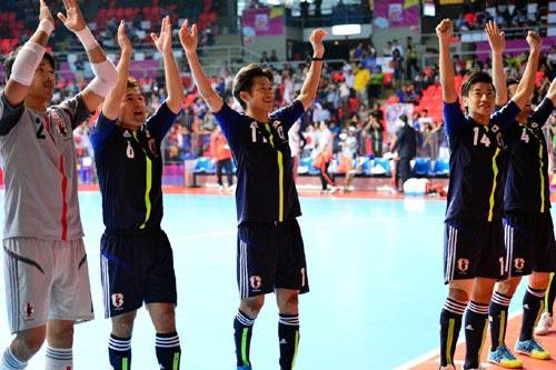 フットサル日本代表、史上初のW杯決勝トーナメント進出が決定
