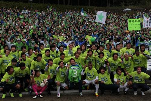 湘南が京都をかわしJ1復帰が決定、甲府はJ2無敗記録を24試合に伸ばす/J2最終節