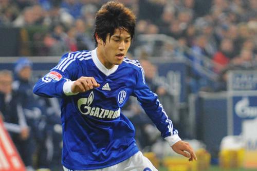 ドイツ紙がシャルケ内田を酷評「ポジショニングのミスが多かった」