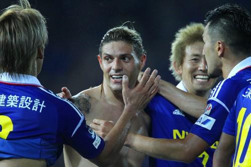 横浜FM、FWマルキーニョスとDFドゥトラの2選手と契約を更新