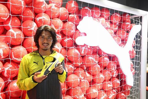 プーマ フットボールショップ渋谷店オープンを記念して横浜FMの中澤がトークショー