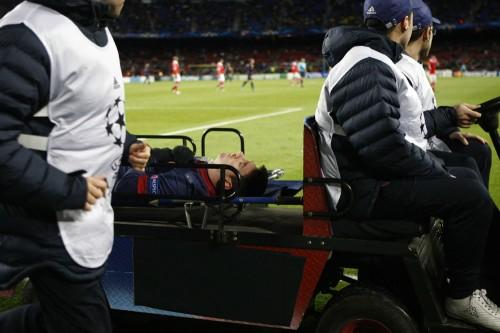 CLで負傷退場のメッシは軽傷か、週末のリーグ戦出場の可能性も