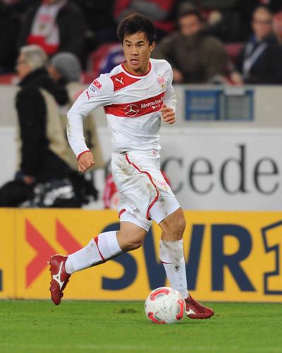 日本代表FW岡崎、母校の後輩にエール「滝二らしいサッカーを」