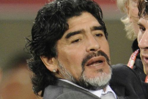 イラクサッカー協会、マラドーナ氏の代表監督就任を全面否定