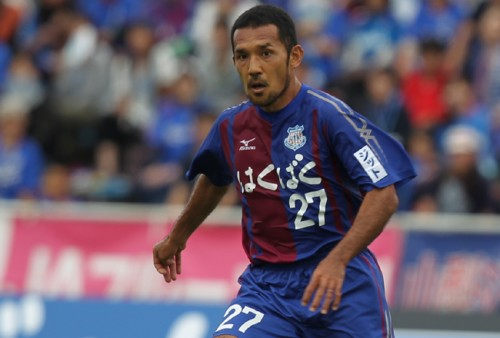 J1復帰の甲府、J1最多出場記録保持者の元日本代表MF伊東ら6選手と契約更新
