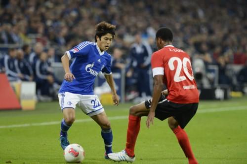地元紙の寸評で振り返る内田篤人の2012-13シーズン前半戦