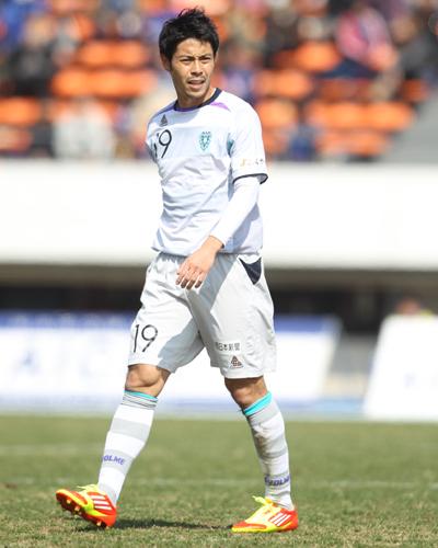 福岡のMF成岡翔が新潟に完全移籍「自分の持てる力を存分に発揮したい」