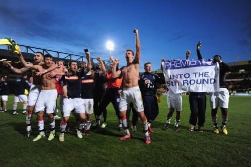 """FA杯で""""ジャイアント・キリング""""、24年ぶり5部クラブが1部に勝利"""