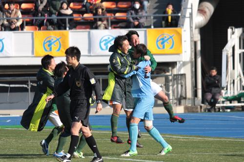 青森山田が2試合連続PK勝ち…東京A代表の修徳破り3回戦へ/高校選手権