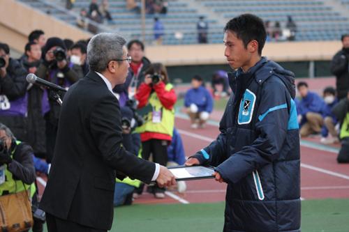決勝逃した桐光の佐熊裕和監督「勝てなかったのは私の力不足」/高校選手権