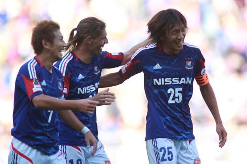 横浜FMが契約更新選手を発表…MF中村俊輔、FW齋藤学ら10選手