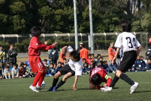 レフェリーを欺くプレーはしない! サッカーの精神に反する「シミュレーション」
