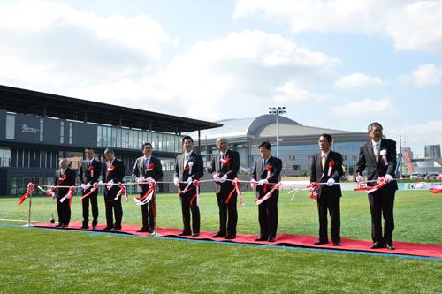 「伊勢フットボールヴィレッジ」オープン…芝のサッカー場5面整備