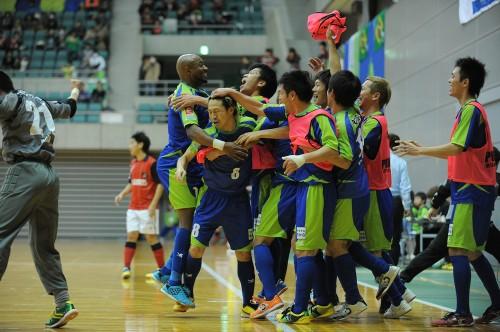 湘南、府中、地域勢から磐田が決勝Tへ/PUMA CUP 2013