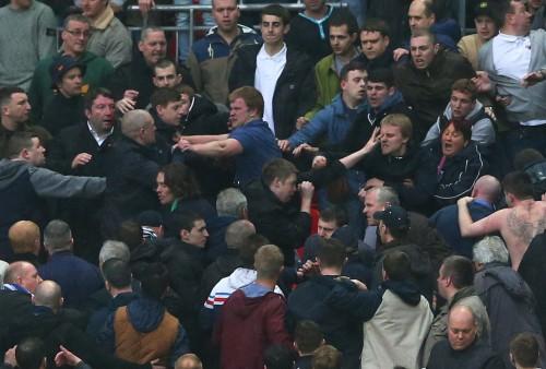 FA杯準決勝、ミルウォールサポーターが観客席で乱闘…10名の逮捕者