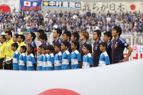 W杯予選豪戦に臨む日本代表に本田と長友が復帰…工藤が初招集