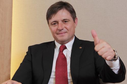ストイコビッチ監督がJ 20周年を評価「世界に誇れるリーグ」
