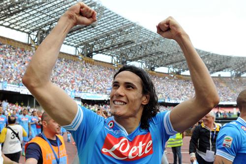 ナポリのカバーニが29ゴールで初のセリエA得点王に輝く