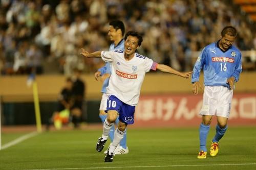 藤田俊哉が自身の送別試合で2ゴール…カズ、ゴン、ヒデらが出場