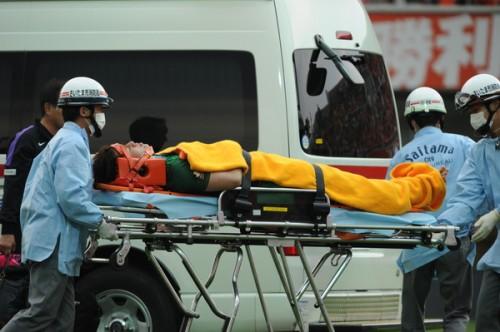 大宮がクラブ新の7連勝も…頭部強打の広島GK増田が救急車で搬送