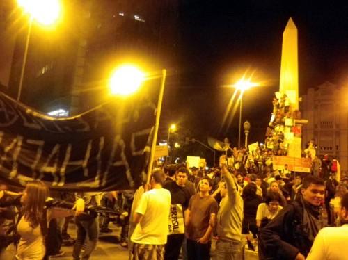 王国ブラジルで拡大するデモ…「W杯と公共サービス向上」という2択の答えは