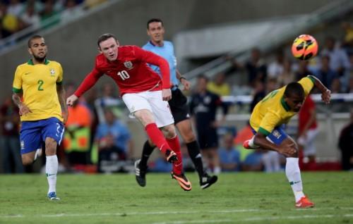 ブラジルとイングランドは両者譲らずドロー/国際親善試合