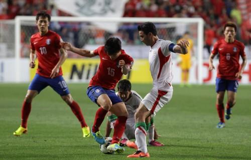 イラン、韓国をFIFAに提訴…選手への殴打やピッチへの投げ込みに対し