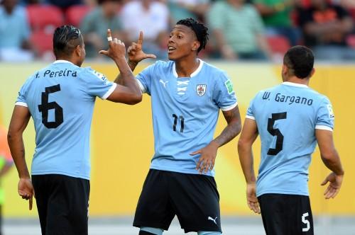 ウルグアイがタヒチに8発大勝…2位通過で準決勝はブラジルと
