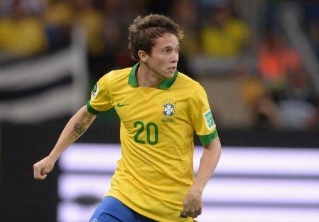 アーセナルがブラジル代表MFベルナルジ獲得へ動く…英紙報道