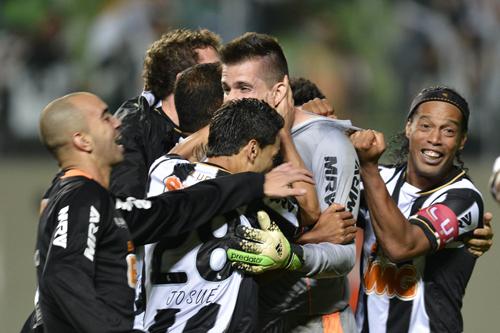 ロナウジーニョ擁すアトレチコ・Mが初の南米制覇…リベルタ杯優勝
