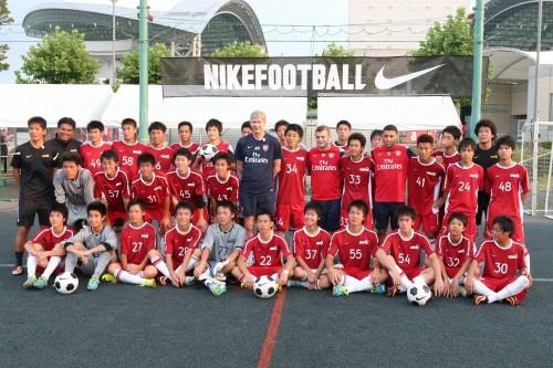 アーセナルのヴェンゲル監督がNIKE FCのメンバーとトレーニング……宮市らも参加
