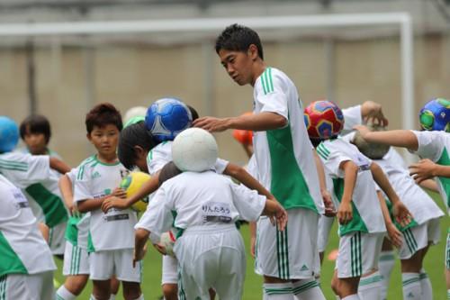 香川が地元神戸で凱旋イベントに参加「夢を追い続けてほしい」