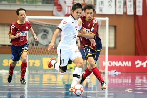 Fリーグ オーシャンアリーナカップ2013 大会2日目……大阪が地域王者すみだに競り勝つ