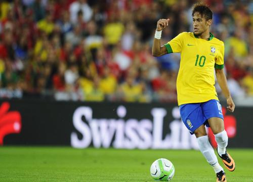ブラジル代表にネイマールやフッキら…マイコンとラミレスが復帰