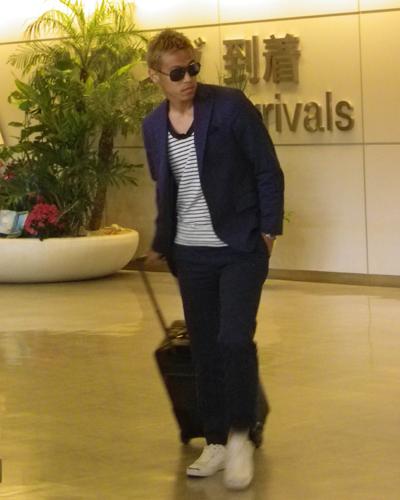 CSKA所属の日本代表MF本田圭佑が帰国…14日にウルグアイ戦