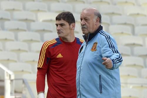 スペイン代表指揮官、リーグ2戦連続先発落ちのカシージャスを擁護