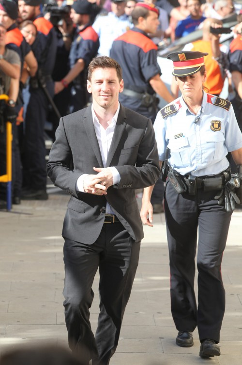 バルサFWメッシが脱税容疑で裁判所へ出廷…疑惑の関与は否定