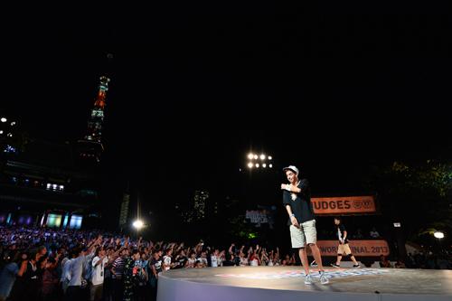 増上寺を舞台に妙技の共演…フリースタイル・フットボール世界大会開催