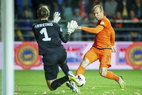 オランダがエストニアに苦戦、終了間際に同点弾を奪う/W杯予選