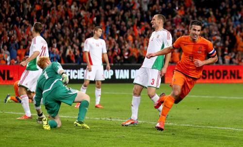 大敗のハンガリーが4位に後退、3チームが2位を争う/欧州予選