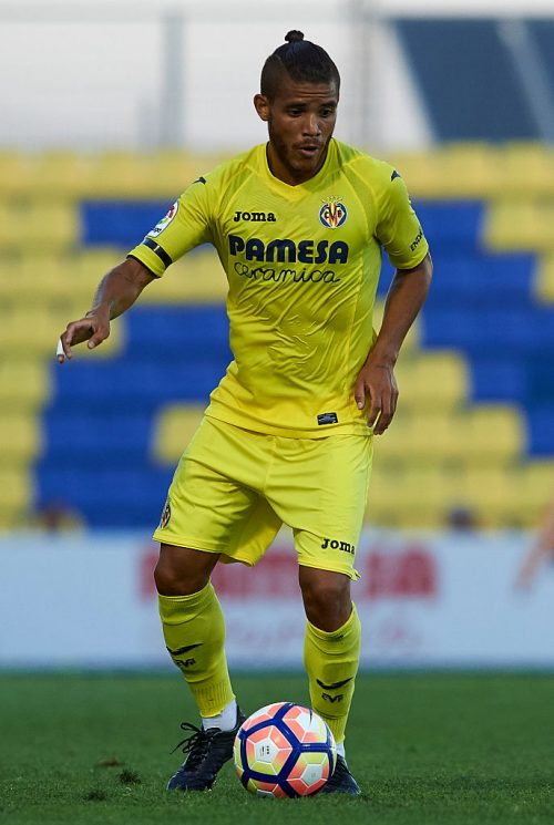 VILLARREAL, SPAIN - JULY 16:  Jonathan Dos Santos of Villarreal in action during the friendly match between Villarreal CF and CD Hospitalet at Ciudad Deportiva of Miralcamp on July 16, 2016 in Villarreal, Spain.  (Photo by Manuel Queimadelos Alonso/Getty Images)