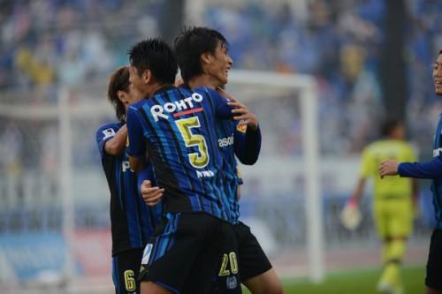 首位の神戸がドロー…熊本に快勝したG大阪がJ1昇格を決める
