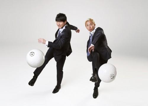 """桜井和寿とGAKU-MCのユニット""""UKASUKA-G""""が日本代表応援ソング制作"""