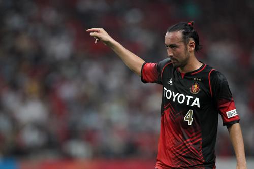 日本代表ザッケローニ監督が言及「闘莉王は非常に良い選手」