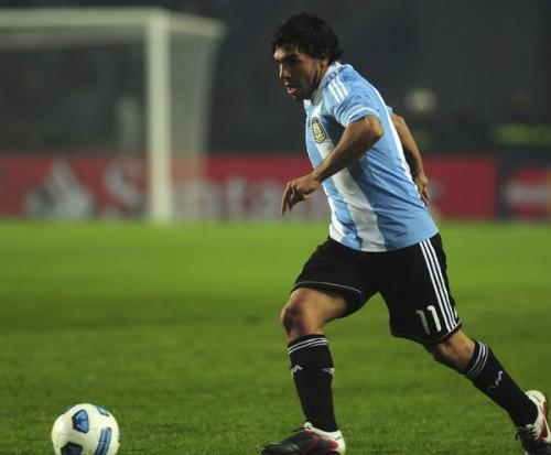 アルゼンチン代表から遠のくFWテベス「W杯は見ないほうがいい」